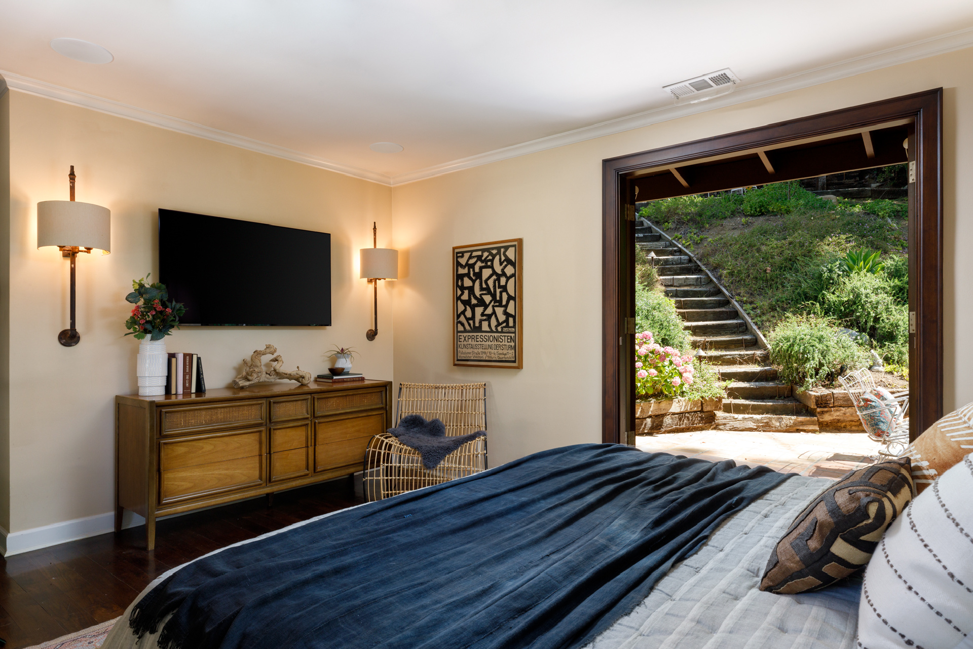 2548 Laurel Pass     |     Laurel Canyon Los Angeles CA  | Jonah Wilson