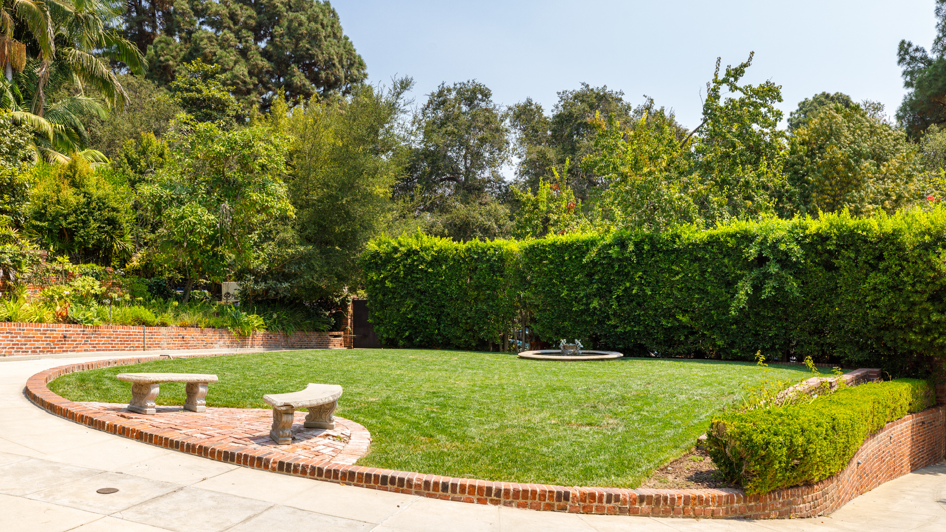 2405 Glendower Avenue     |     Los Feliz Los Angeles CA  | Jonah Wilson