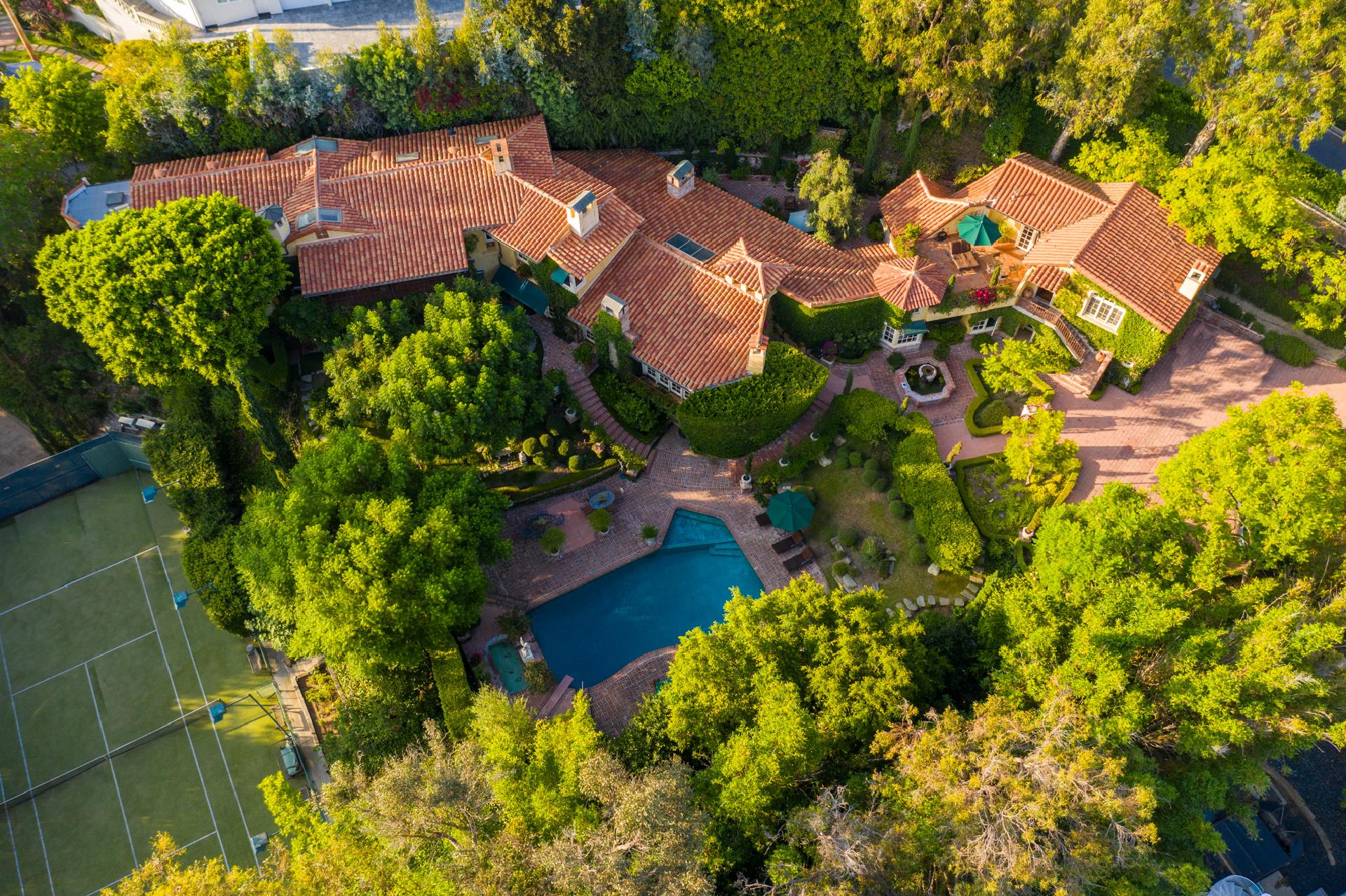 1167 Summit Drive     |     Beverly Hills Beverly Hills CA  | Jonah Wilson