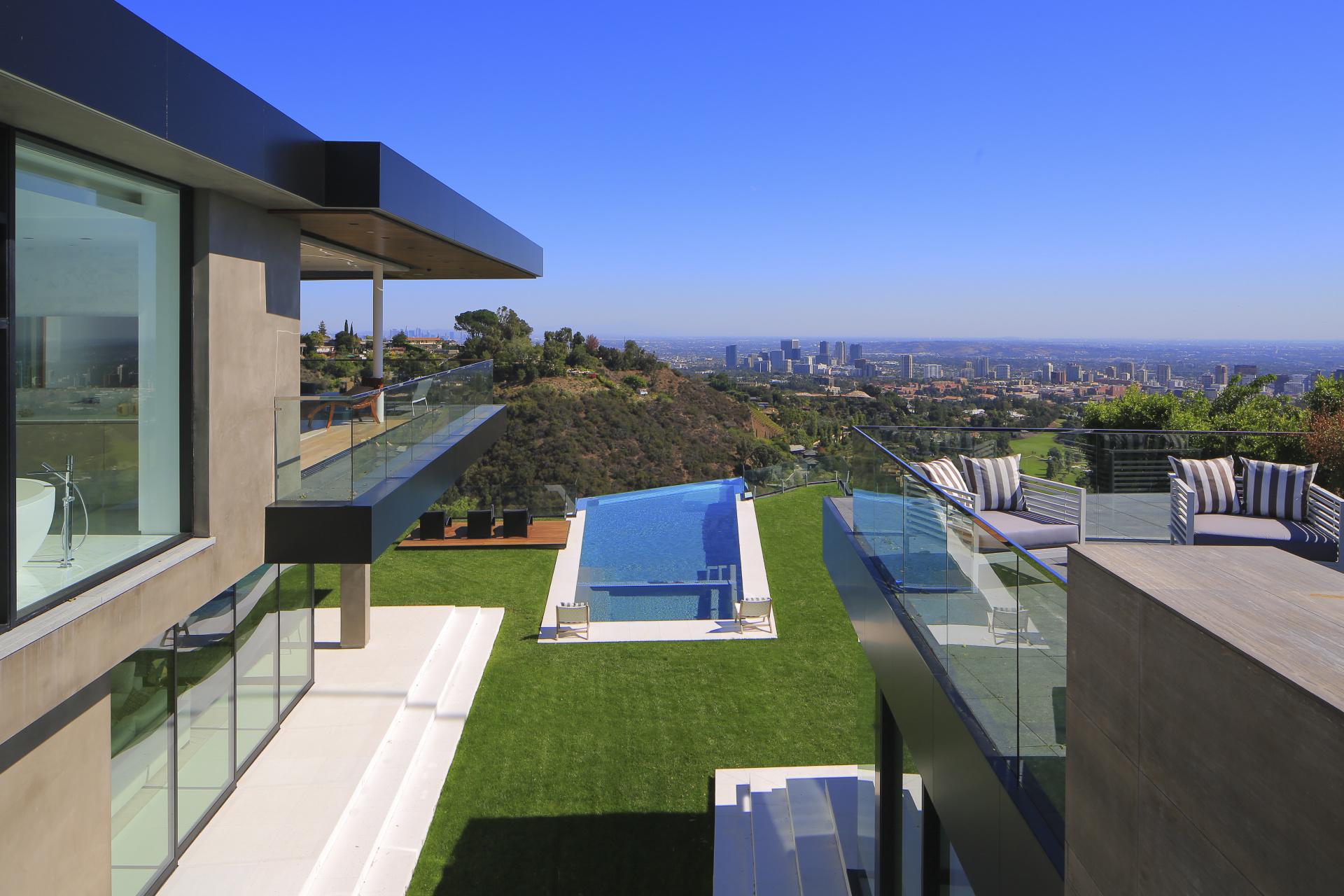 Spectacular Promontory     |     Bel Air  Los Angeles CA  | Jonah Wilson