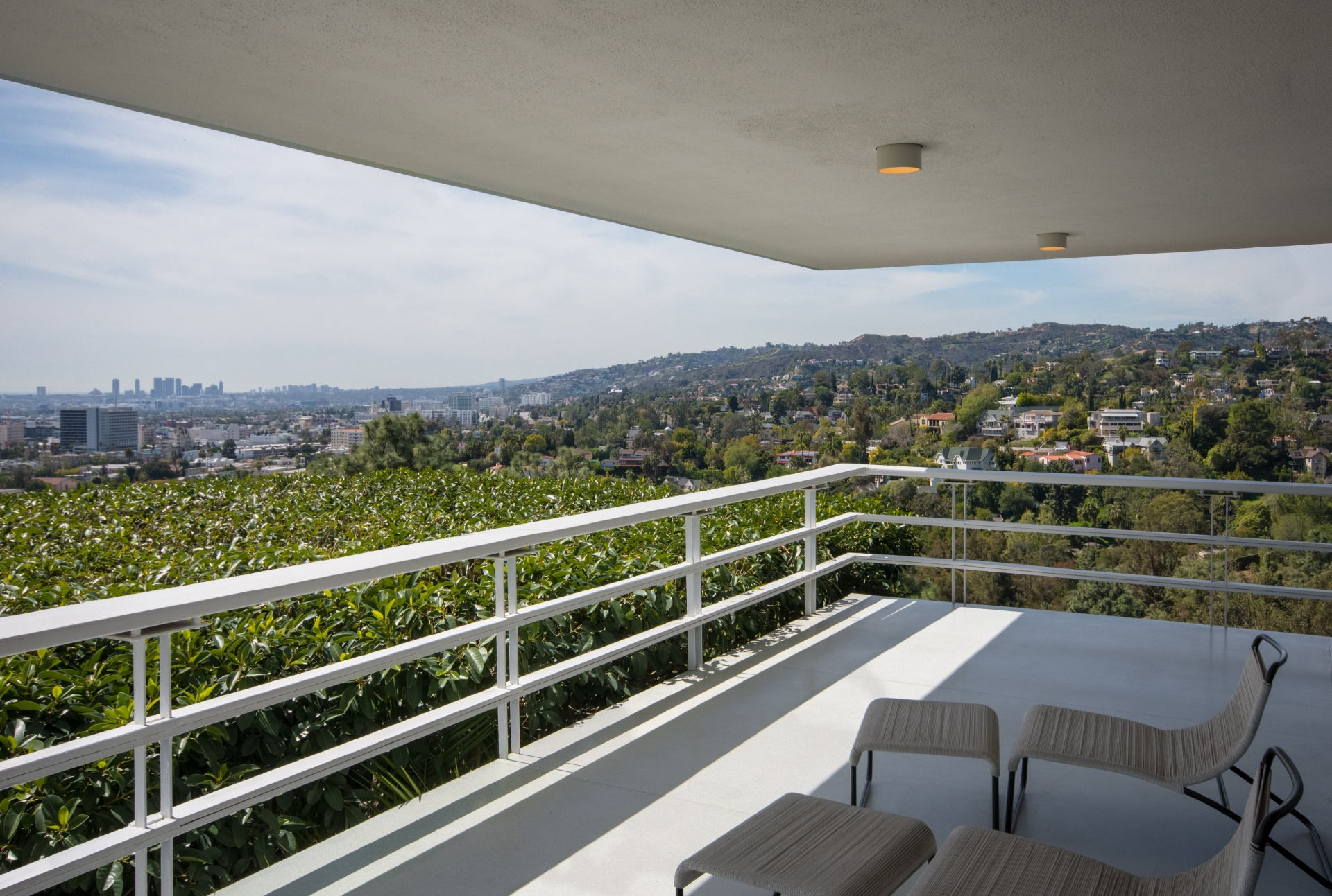 5699 Holly Oak Drive     |     Los Feliz Los Angeles CA  | Jonah Wilson