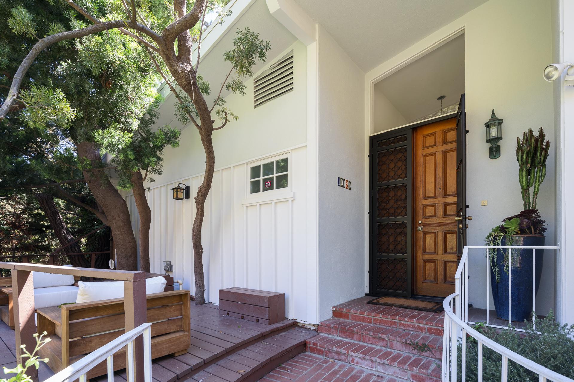 10120 Cielo Drive     |     Beverly Hills Beverly Hills CA  | Jonah Wilson
