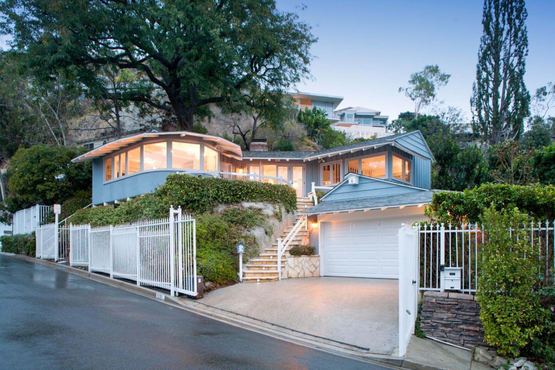 8281 Hollywood   Sunset Strip Sunset Strip CA    Jonah Wilson