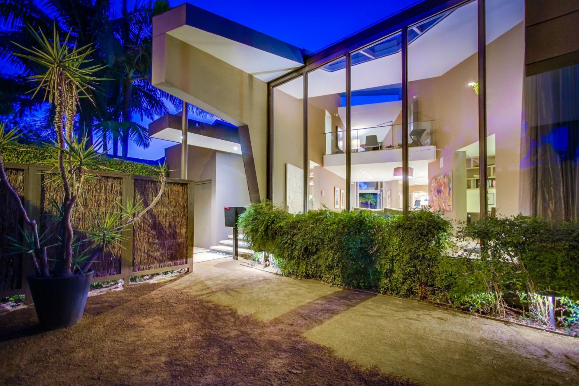 8743 Ashcroft    |   West Hollywood West Hollywood CA 90069 | Jonah Wilson
