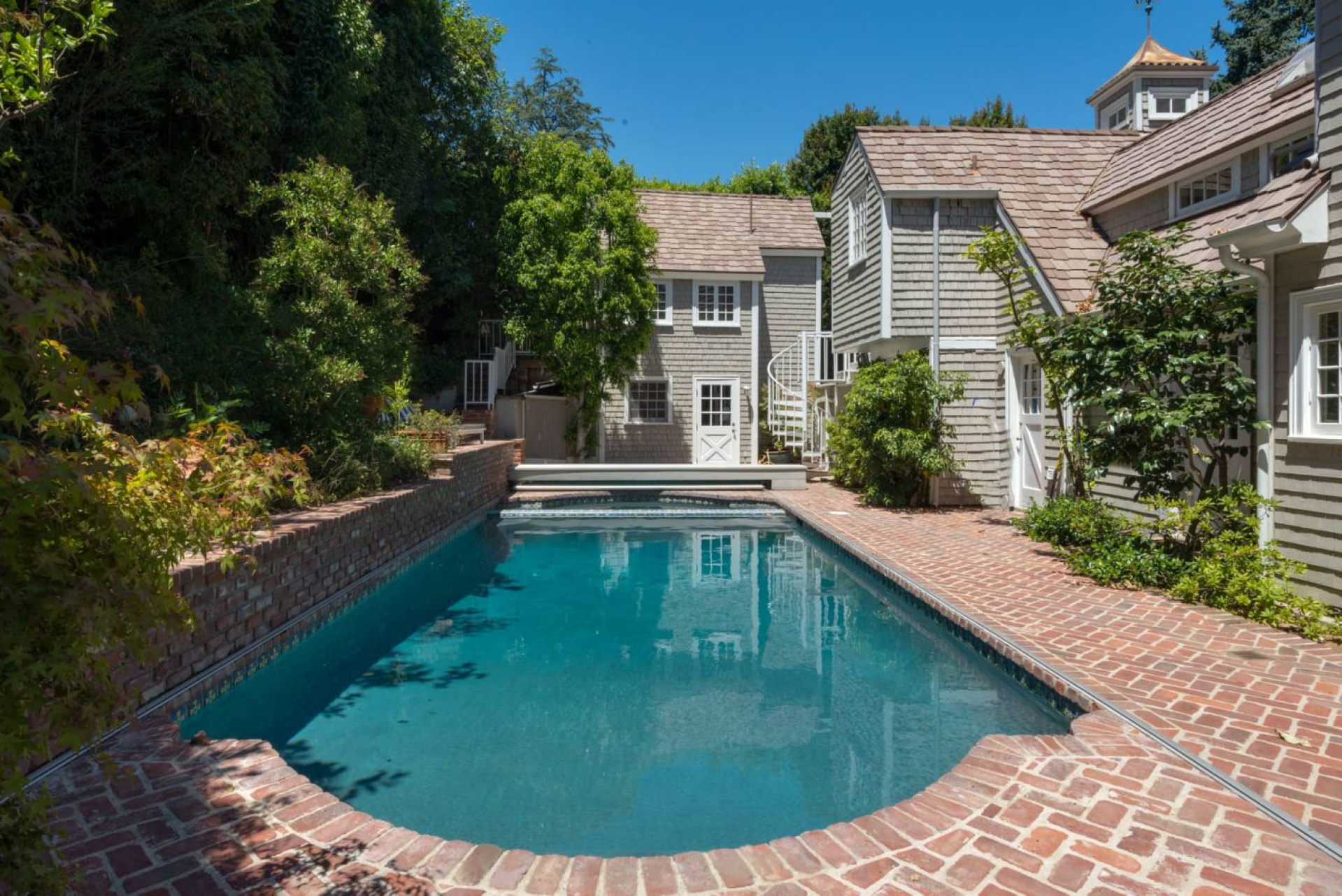 2383 Bowmont           Beverly Hills Beverly Hills Post Office CA    Jonah Wilson